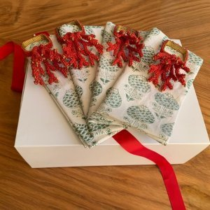 TROPICAL XMAS NAPKINS AND NAPKIN RINGS GIFT SET