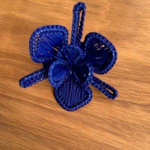 SET OF 4 FLOWER POWER NAPKIN RINGS Royal Blue